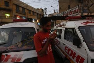 Karachi Ambulance Driver 020.jpg
