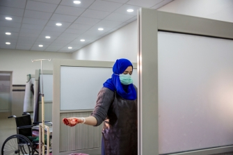 235_WOMAN_TRIAL_LABOUR-ROOM-15